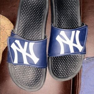 New York Yankees slides 9/10 men's